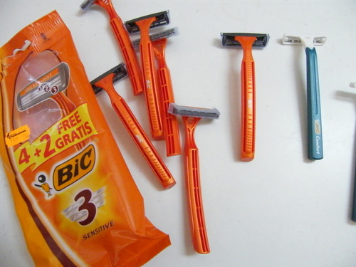 Bic Razors - Orange, simple, cheap and effective