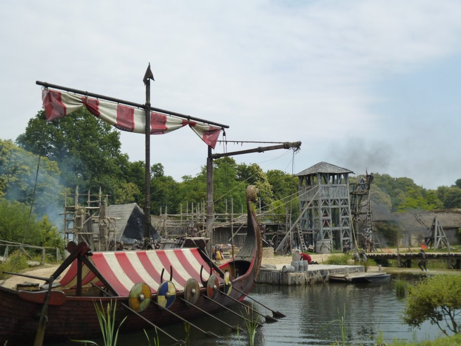 And then another huge viking ship emerges from the water at Puy du Fou