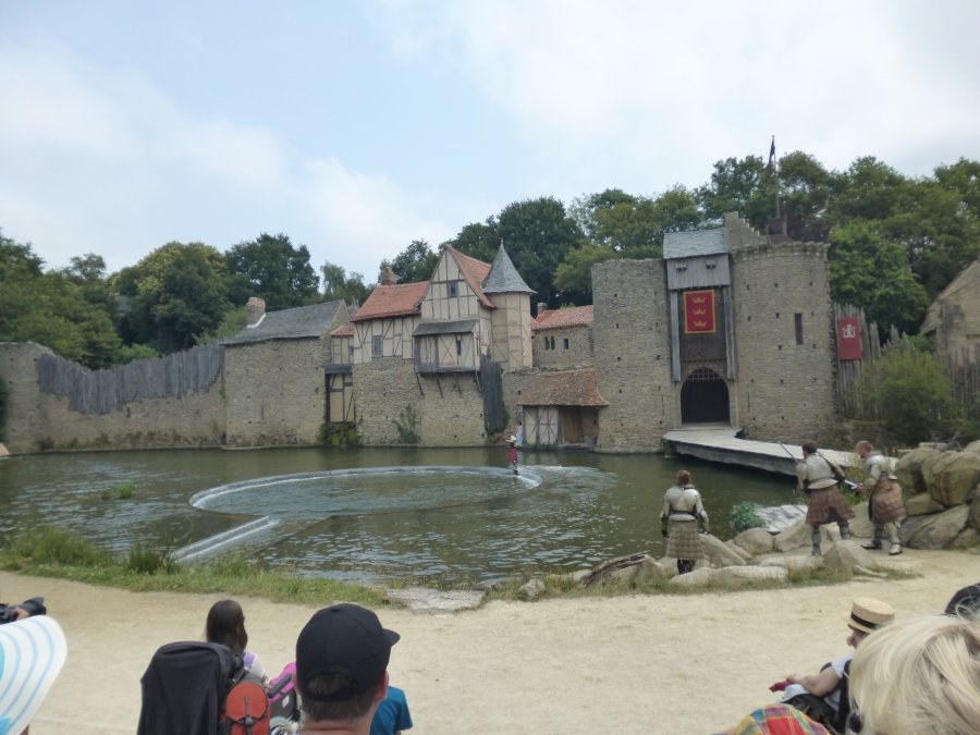 And then this happens. All the water disappears and mad things happen at Puy du Fou