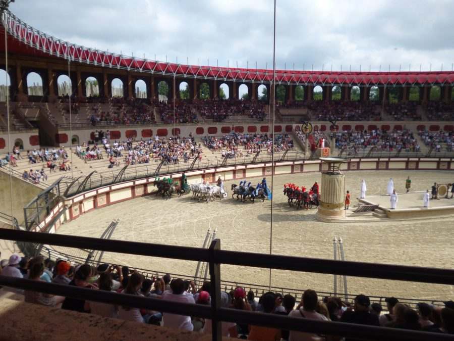 The chariots line up for the race at Puy du Fou in the huge roman amphitheatre