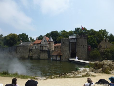 The Knights of the round table show beginning at Puy du Fou