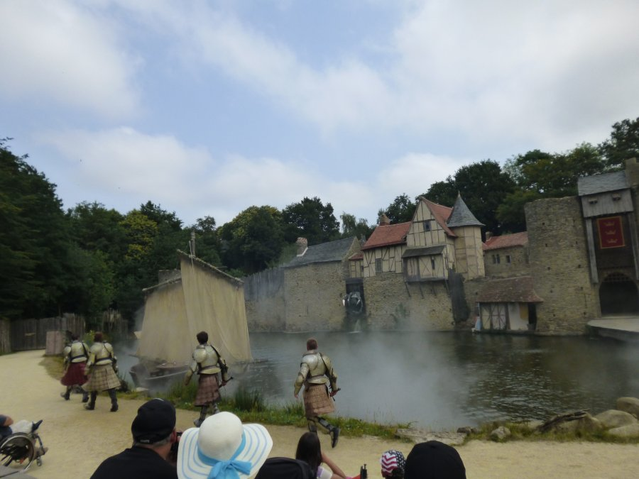 The knights take to the boat in the show at Puy du Fou