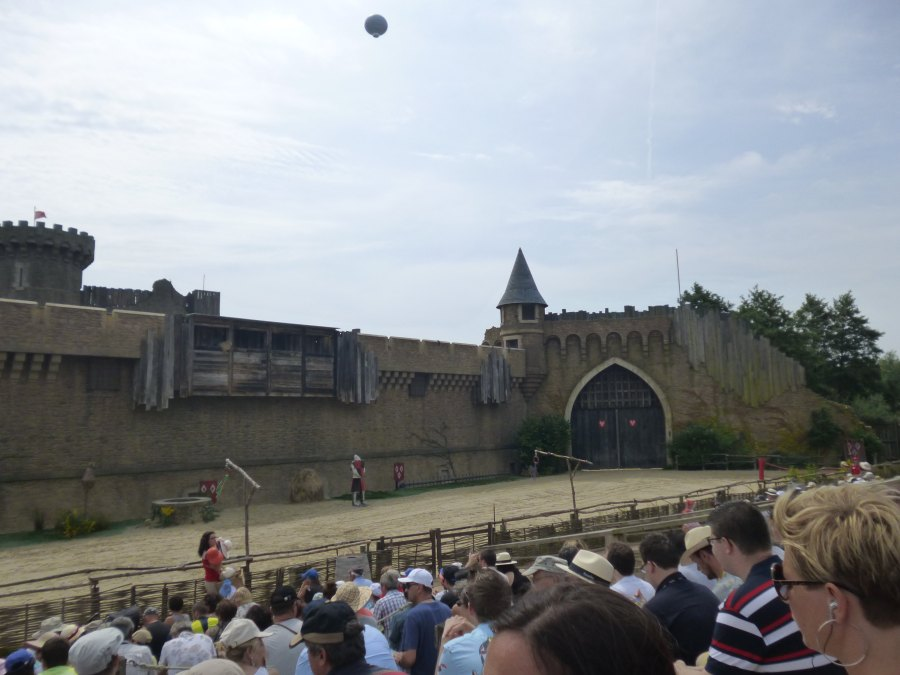 The start of the show at The secret of the lance at Puy du Fou